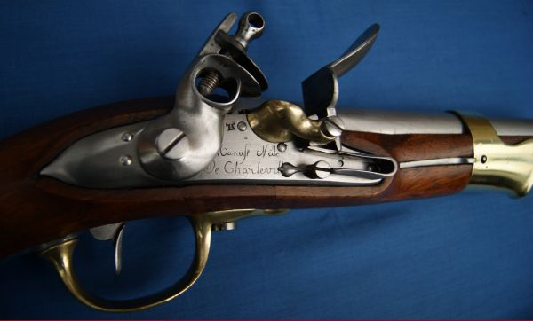 détail d'un pistolet de cavalerie An IX manufacture de Charleville